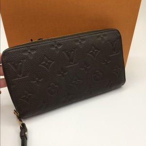 Louis Vuitton Empreinte Zippy wallet